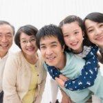 寄り添う仲良し三世代家族2